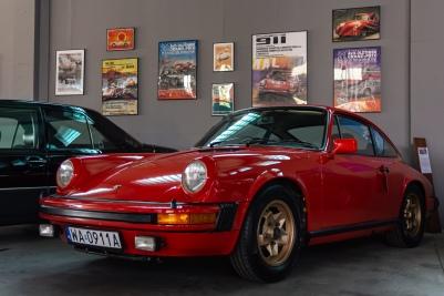 Niezwykły egzemplarz Porsche 911 - G-model z 1975 roku, Auto wygląda, jakby wyjechało z salonu kilka miesięcy temu.